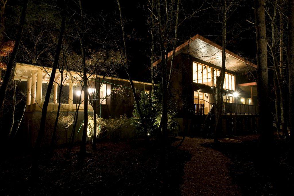山荘 夜景